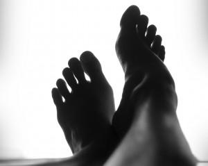 feet (2)